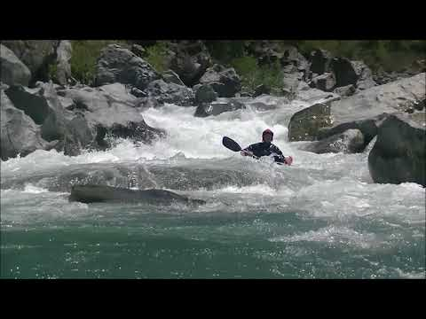 Kayaking South Fork of the Yuba River in CA 49 to Bridgeport level 400 to 600 cfs