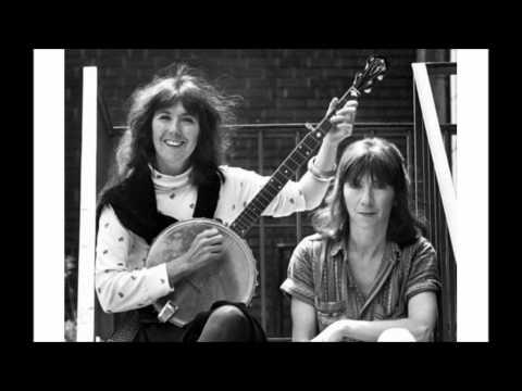 Kate & Anna McGarrigle - The Swimming Song
