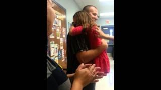 air force dad surprises his daughter at school