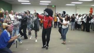 Halloween Costume Contest Thriller Dance