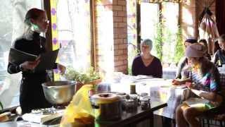 Ведические знания во время кулинарного занятия