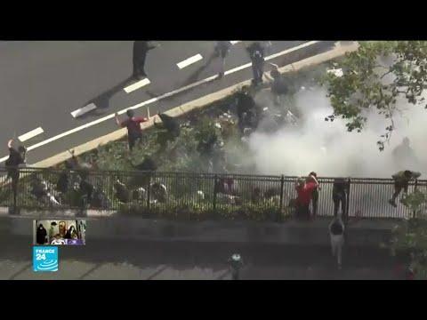 اشتباكات بين رجال من الشرطة ومتظاهرين ومدنيين بيض مدججين بهراوات في مدينة فيلادلفيا  - 14:59-2020 / 6 / 2