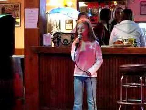 Lillea Sings Karaoke
