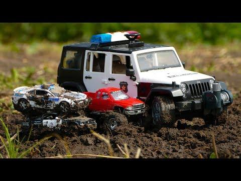 Мультфильм Полиция застряла в грязи, Полицейская погоня за Монстер Траком 318 Серия Мир Машинок