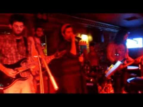 Tudors Pub Band in Kaleiçi, Antalya