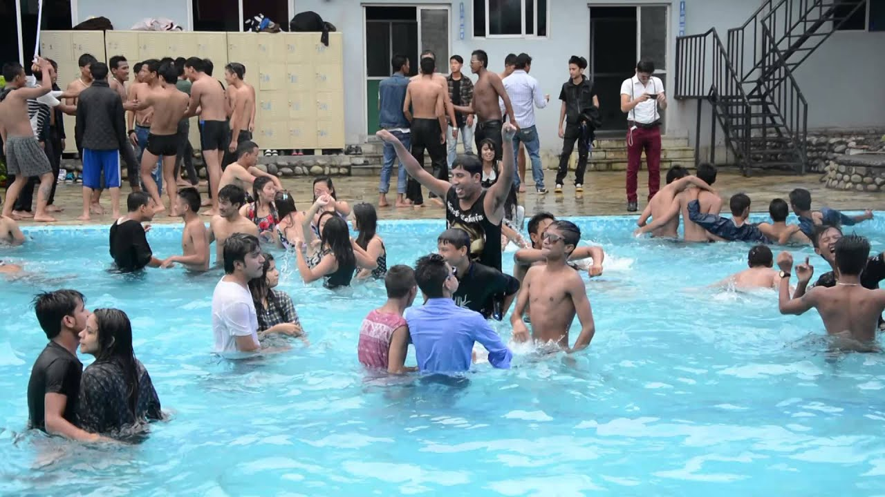 Dj chhewang gstar pool party 2015 youtube for Garden pool party 2015