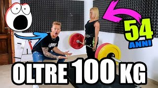 MIA MADRE SOLLEVA OLTRE 100KG!!! (54 anni) | Mom1workout #3