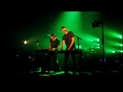 Nine Inch Nails - Me I'm Not HD (live w/ Atticus Ross @ Wiltern 9/10/09 FINAL SHOW EVER)