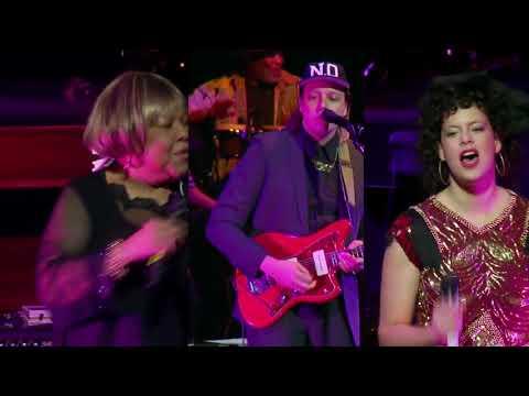 Mavis Staples & Arcade Fire - Slippery People