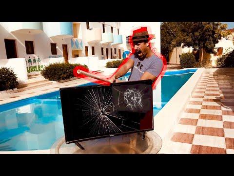 كسرنا شاشة التلفيزيون شوفو لقينا ايه جوه (هترتاح نفسيا😂)