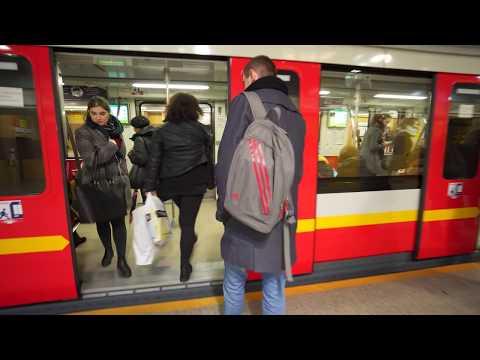 Poland, Warsaw, metro ride from pasaż handlowy to Wilanowska, 1X escalator