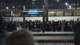 Grève SNCF: paroles d'usagers gare Saint-Lazare
