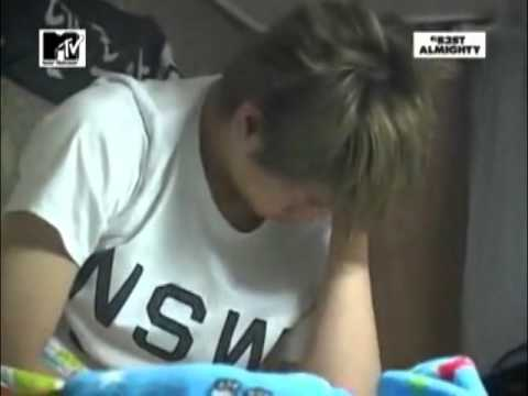 [BEAST CUT] Yoseob's moment 2~ wake up ♥