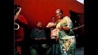 Cesária Évora - Africa Nossa (Ft. Ismaël Lô)