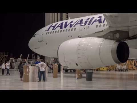 "Hawaiian Airlines Celebrates Disney's ""Moana"" - Livery Time Lapse"