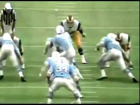 Houston Oilers - Earl Campbell runs over Rams