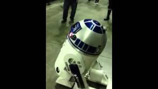 R2D2 screams