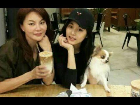 周子瑜中秋節悄悄返臺 素顏現身母親咖啡店 - YouTube