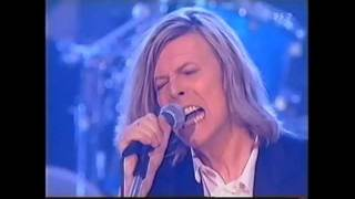 (2000) David Bowie / Little Wonder ~ Man Who Sold the World ~ Fame (3/5)