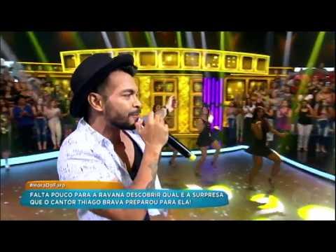 Thiago Brava canta o hit Dona Maria e agita a plateia de Rodrigo Faro