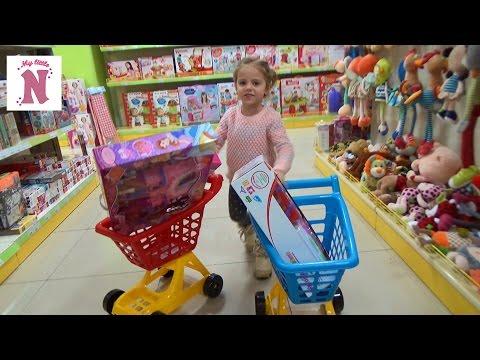 VLOG Шопинг в детском магазине покупаем новые игрушки Shopping In Kid's Toys Store