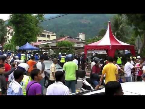 5 May 2013 (Air Putih) Samseng Satu Malaysia;Barisan Nasional beat up Ubah supporters.