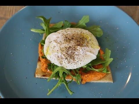 How to Poach Eggs/ 2 Recipes