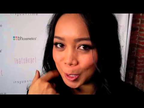 ThatsHeart and ItsJudyTime Share Favorite Holiday Makeup Trends thumbnail