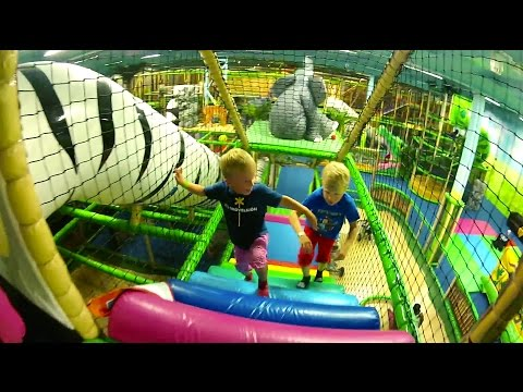 Attrap moi indoor playground near le mans indoor play for Indoor play slide