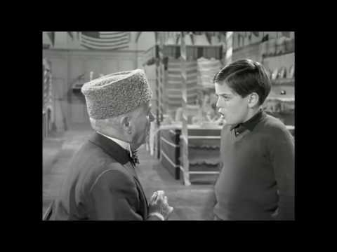 Charlie Chaplin and his son Michael - A King in New York (clip)