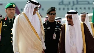 الملك سلمان يصل قطر في ثاني محطة من جولته الخليجية