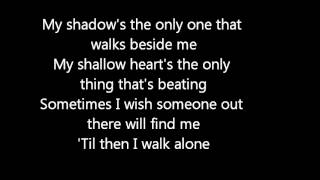 Repeat youtube video Green Day -Boulevard of Broken Dreams lyrics