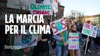 Clima, oltre 100mila in piazza a Milano nel segno di Greta Thunberg: