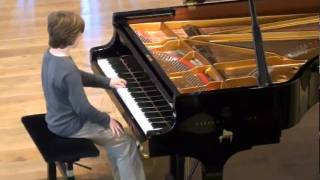 Prelude and Fugue No. 5 in D major BWV 850 played by Nicolas Absalom.mpg