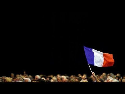 Ultraliberalisti e ultranazionalisti: il voto divide la Francia