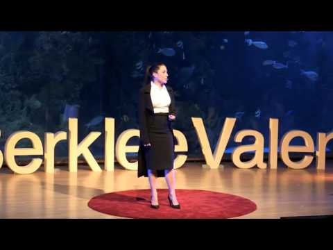 Independent Candidacies, Social Media, Rescue of Democracy | Alexandra Lúgaro | TEDxBerkleeValencia