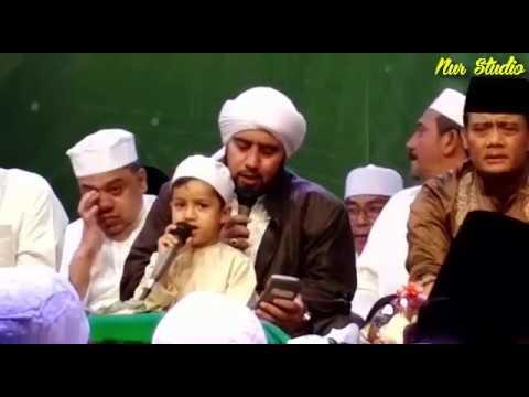 Solo Bersholawat Bersama Habib Syech (Spesial Hari Santri Nasional 2016) - Part 1