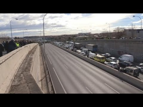 Los taxistas madrileños cercan Fitur en su tercera jornada de huelga