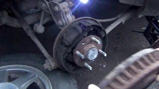 Замена задних тормозных колодок и снятие барабана на KIA - Spectra