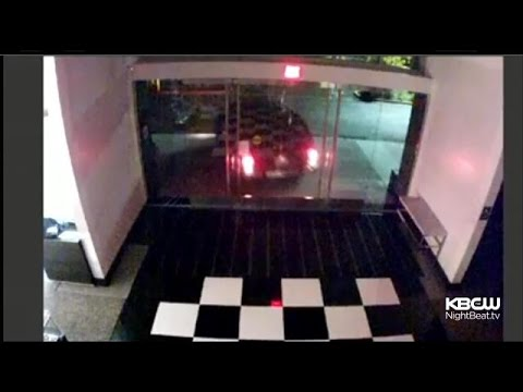 Thieves Pull Off Brazen Smash/Grab Robbery At Palo Alto Bloomingdale's