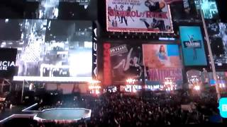 alicia keys and jay z live in times square 11 16 new york