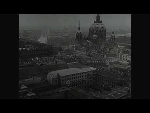 Berlin – Die Symphonie der Großstadt (Walter Ruttmann 1927, Soundtrack and Poetry by Landschaft)