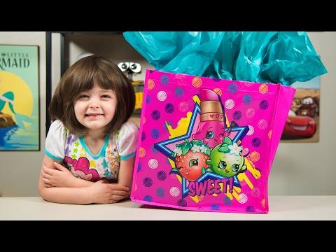 HUGE Shopkins Surprise Present Season 7 Surprise Eggs Blind Bags Toys for Girls Kinder Playtime