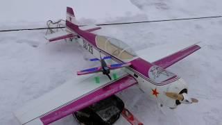 """видео: Авиамодельные соревнования """"Мастер посадки"""" на лыжах, 2019."""