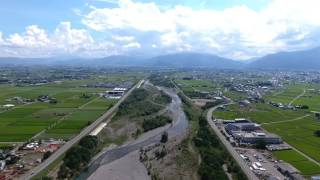 長野県にある梓川を空撮しました。 ラーラ松本付近の上空から梓水苑付近...