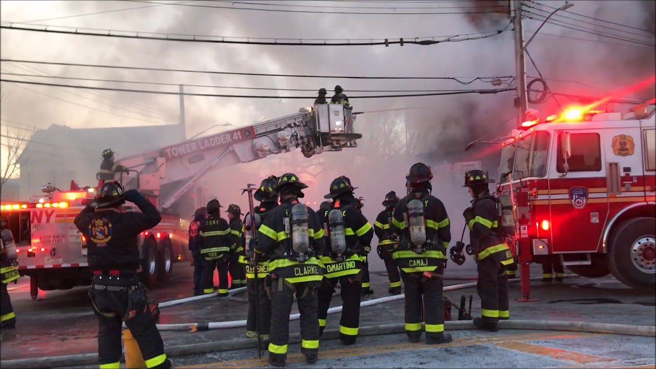 Fdny Box 3072 Fdny Battling A 7th Alarm Fire On Commonwealth Avenue In The Bronx