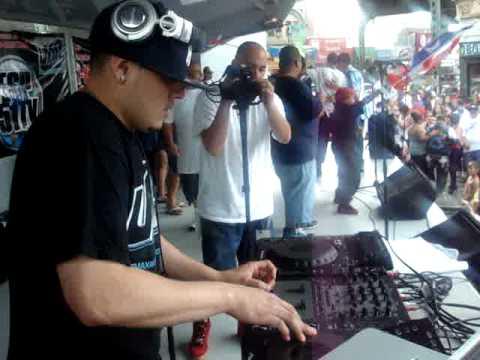 DJ FLOW NY AT PR BK FEST