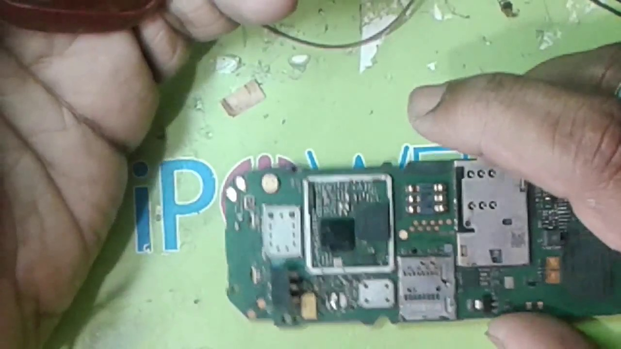 hight resolution of nokia c2 full short remove with battary power supply