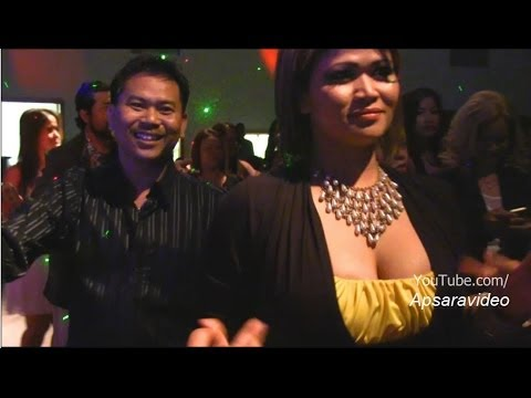 Cambodian New Year 2014. Bun Sak sings Khmer classic Ramvong song with  Sekmeas Band in Fresno, CA