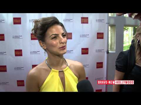 Jersey Boys actress Renée Marino: Tony Awards Vieweing Party - Red Carpet Interview